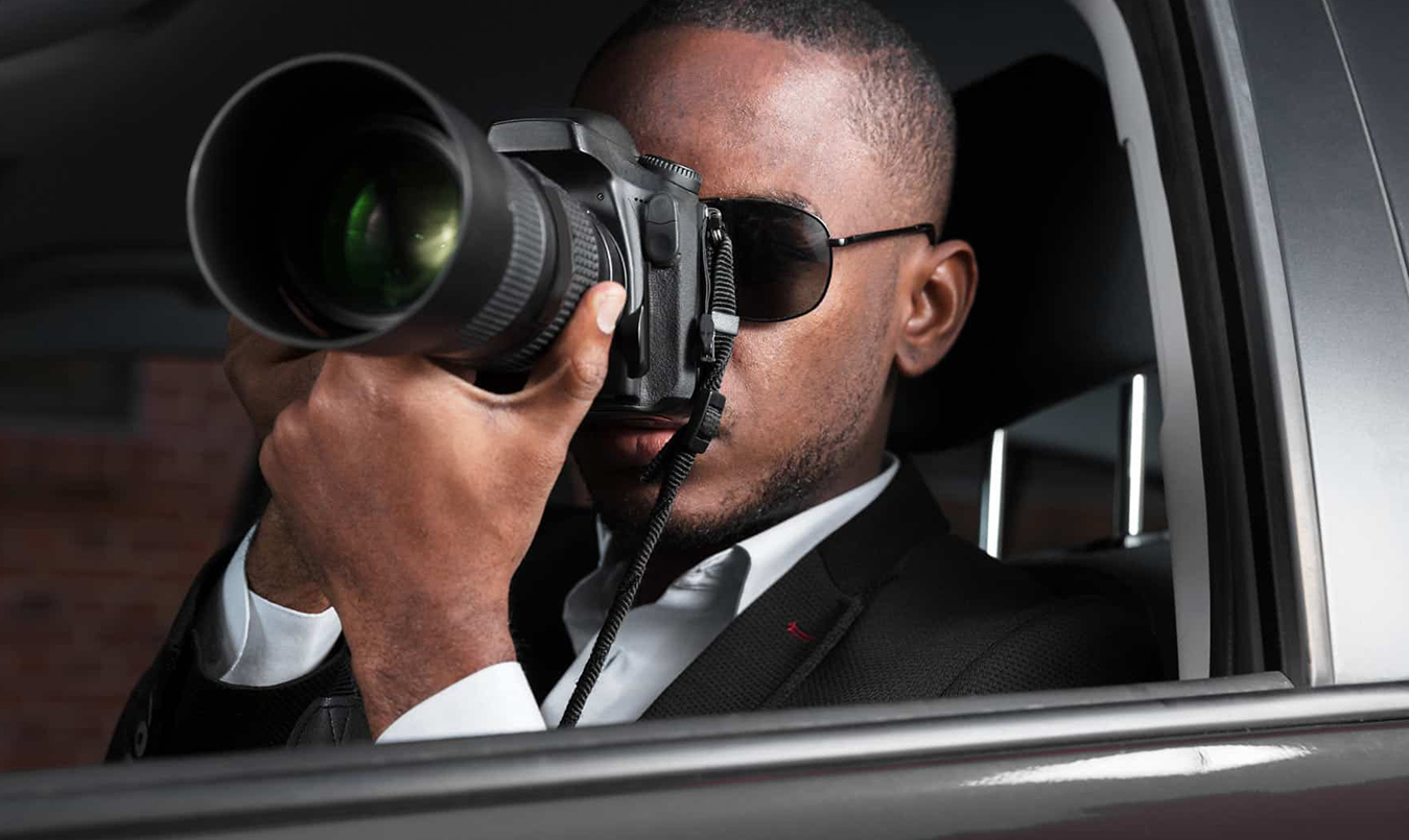 what does a private investigator do